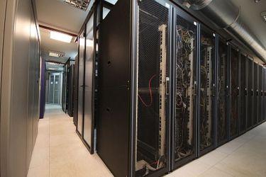 Мониторинг микроклимата серверной комнаты при помощи графиков, отправляемых в Telegram